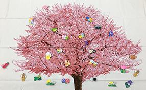桜のタペストリー、春満開!